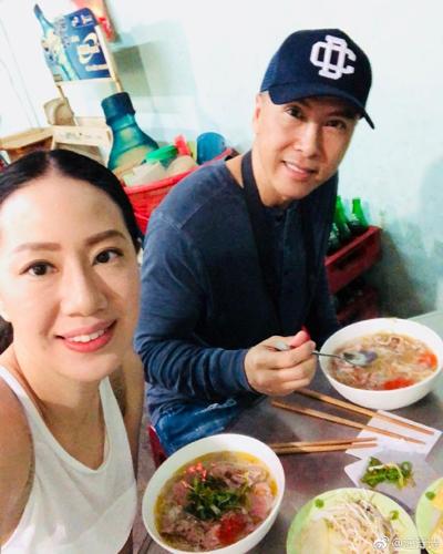 Vợ Chân Tử Đan - người mẫu Uông Thi Thi - mới đây đăng trên Weibo một số bức ảnh đi nghỉ cùng chồng.