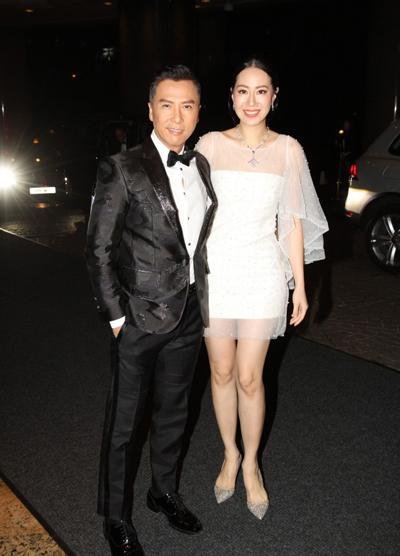 Theo trang On, trước khi tới Hội An, đôi vợ chồng dự buổi tiệc từ thiện ở Hong Kong hôm 17/11.