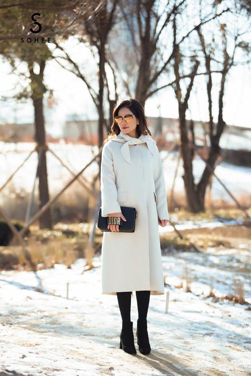 Để sở hữu một trong những mẫu áo khoác của bộ sưu tập limited Sohee by HaBui, khách hàng phải gửi đơn đặt hàng trước cho hãng để được tư vấn, thiết kế riêng.