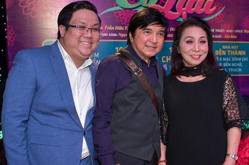 Nghệ sĩ Chí Tâm (giữa) diễn vai Võ Minh Thành 20 năm sau.