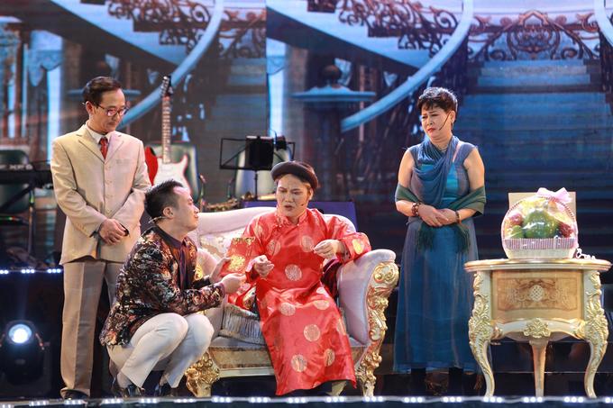 Thanh Thanh Hien song ca cung con gai ut