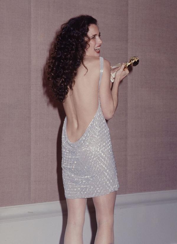 12 bộ váy gợi cảm nhất lịch sử Quả Cầu Vàng