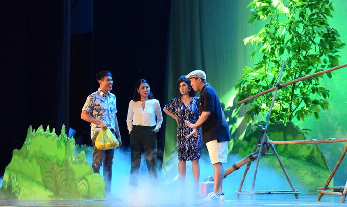 Cat Phuong dong vai me Kieu Minh Tuan trong Sui gia doi mat