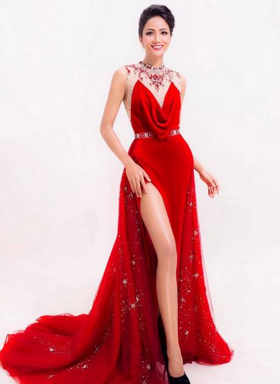 Người đẹp được ban giám khảo chọn lựa vì lòng nhân ái và quyết tâm lớn.