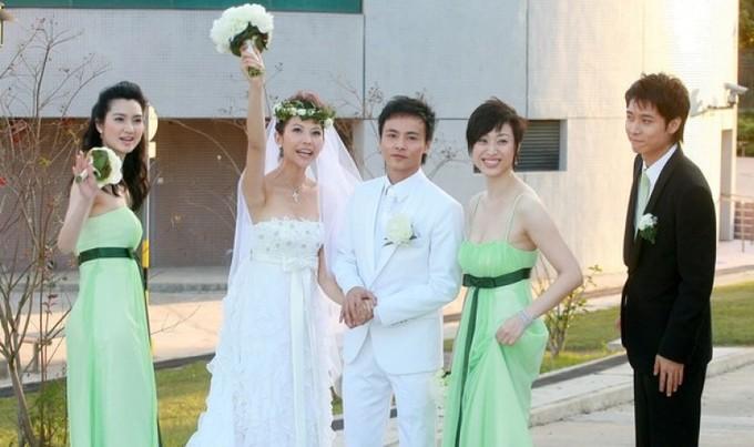 Thái Thiếu Phân - Trương Tấn mặc lại trang phục cưới 10 năm trước