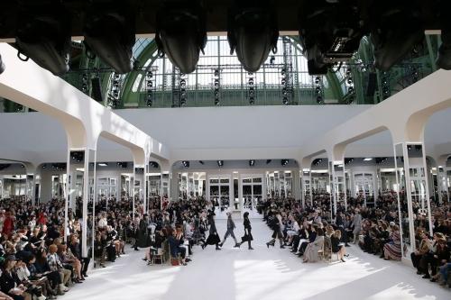 Loạt sàn diễn trong bảo tàng Pháp gây kinh ngạc của Chanel qua 10 năm - ảnh 9