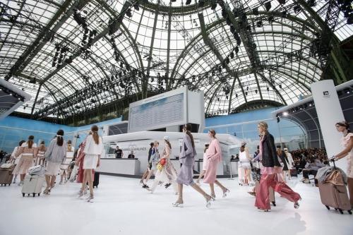 Loạt sàn diễn trong bảo tàng Pháp gây kinh ngạc của Chanel qua 10 năm - ảnh 13
