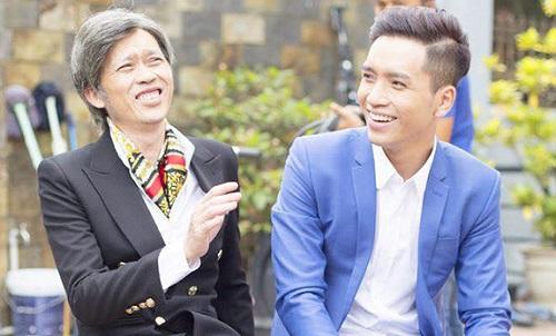 Hoài Linh (trái) và Bạch Công Khanh trên phim trường.