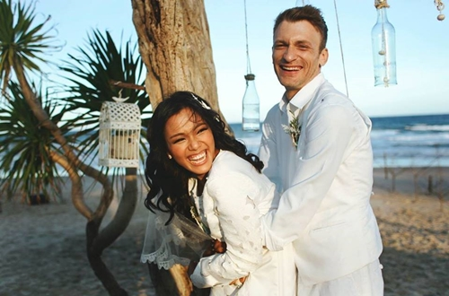 Tháng 3/2015, Phương Vy và Sean Trace tổ chức đám cưới lãng mạn tại bãi biển Phan Thiết sau ba năm hẹn hò. Cô dâu cũng là người tự tay đi tìm nguyên liệu, trang trí cho đám cưới của mình.