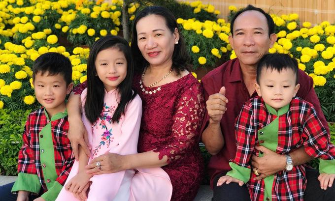 Tăng Thanh Hà, Đặng Thu Thảo rạng rỡ đón Tết bên chồng