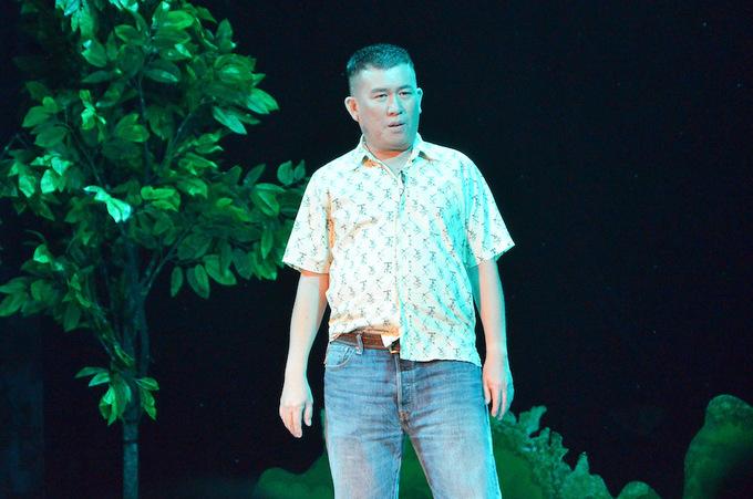 Kich hai cua Hoai Linh Tran Thanh Le Giang dat khach dip Tet
