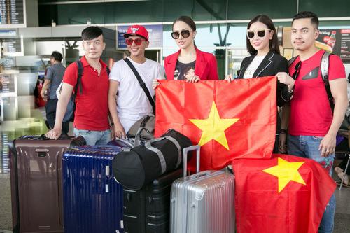 Người đep đem khoảng 105 kg hành lý cho chuyến đi.