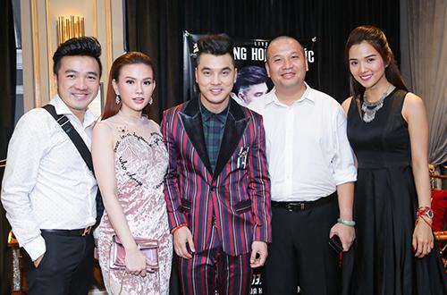 Từ trái sang: Ca sĩ Dương Ngọc Thái, Thu Thủy, Ưng Hoàng Phúc, nhạc sĩ kiêm đạo diễn - Quang Huy.