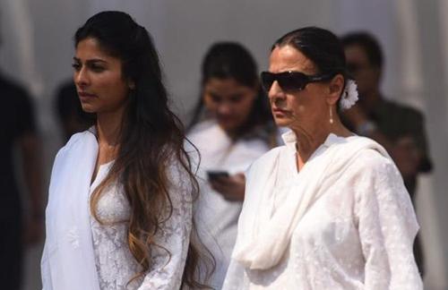 Hoa hậu Thế giới và dàn sao tiễn biệt huyền thoại màn bạc Ấn Độ - 5