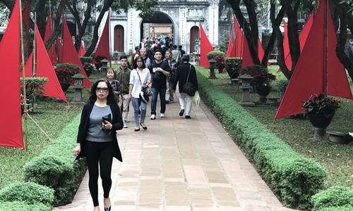 Ngày Thơ Việt Nam 2018 thu hút nhiều người lớn tuổi