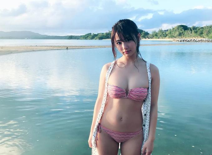 Loạt mỹ nhân châu Á diện áo tắm