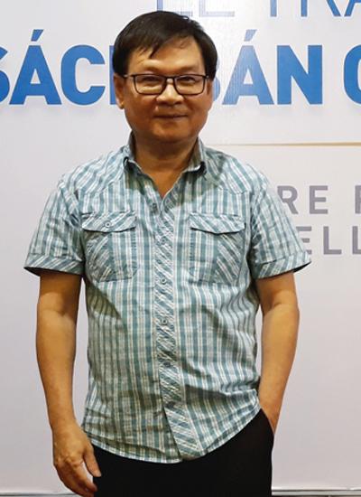 Nhà văn Nguyễn Nhật Ánh tại lễ trao giải của NXB Trẻ sáng 19/3.
