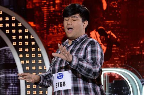 Adam Sanders tại American Idol 2013.