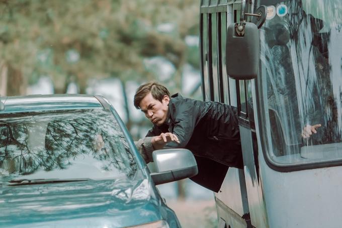 Lý Hải phá hỏng xe tải, xe hơi để quay phim hành động