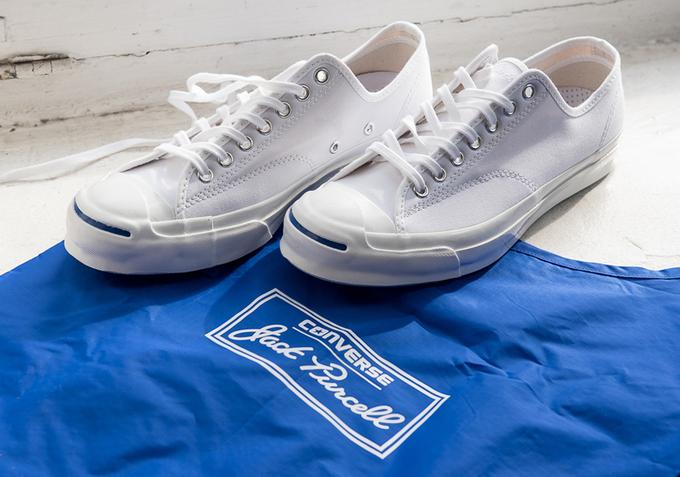 Những đôi sneakers trắng dễ phối đồ cho nam giới
