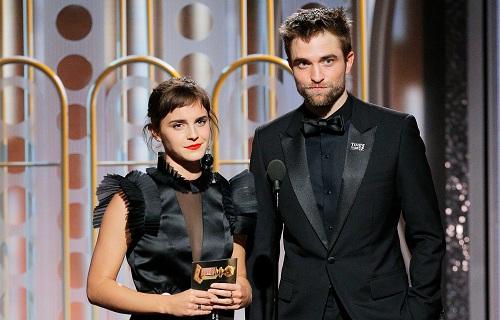 Robert Pattinson và Emma Stone trao giảiở Quả Cầu Vàng 2018.