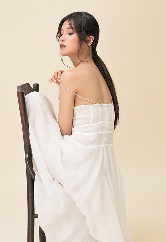 Hoàng Yến Chibi biến hóa phong cách thời trang