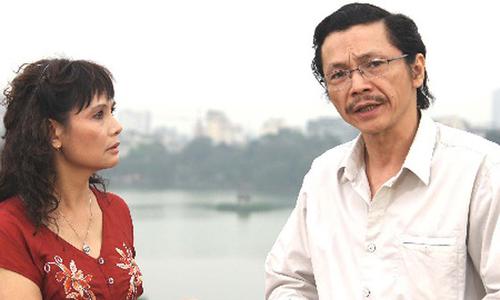 Nhân vật Việt (phải) trong Nếp nhà.