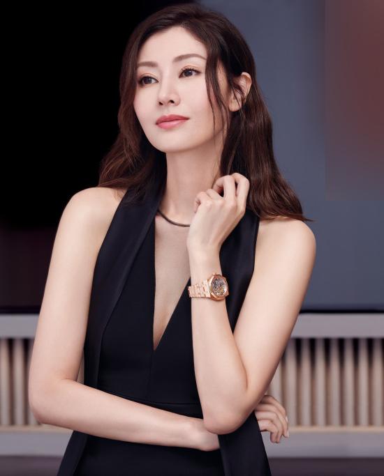 Nhan sắc tuổi 48 của 'Hoa hậu đẹp nhất Hong Kong'