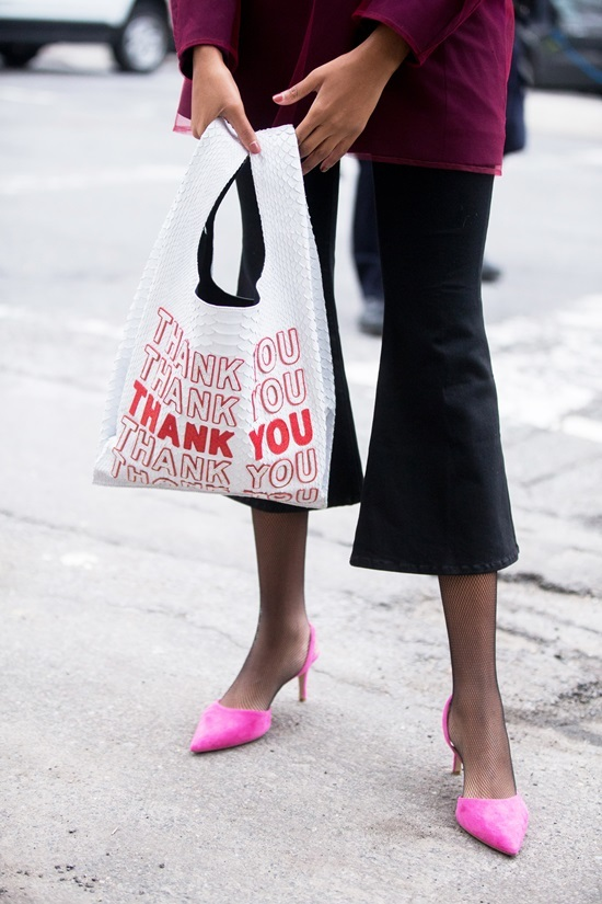 Những chiếc 'túi đi chợ' giá hàng trăm, hàng nghìn USD