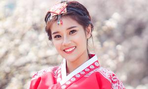 hoang-yen-chibi-dao-choi-o-seoul
