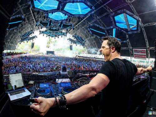 Markus Schulz -DJ top đầu bảng xếp hạng Top 100 DJ thế giới sẽ mang đến màn trình diễn bùng nổ trên sân khấu MAFF 2018.