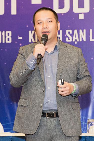 Đạo diễn Quang Huy chia sẻ tâm tự đào tạo một thế hệ ca sĩ thần tượng mới nhưng không phài theo phong cách K-pop.