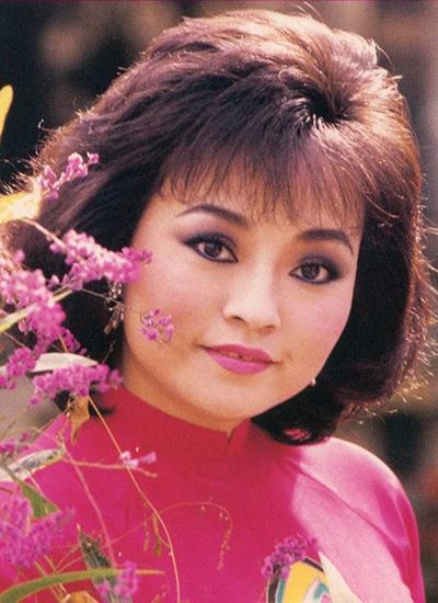 Nhiều nghệ sĩ hải ngoại đánh giá thập niên 1980-1980 là thập niên của Hương Lan, khi chị liên tiếp thành công trên cả lĩnh vực tân nhạc lẫn cổ nhạc.