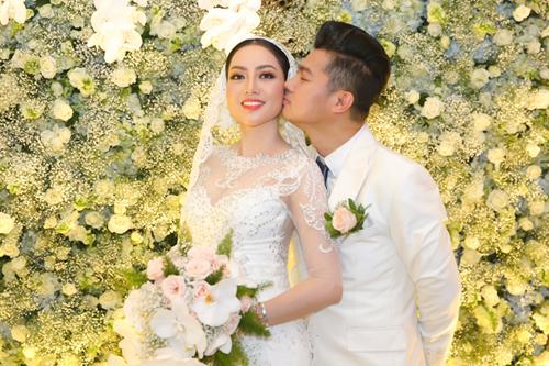 Vợ chồng Tuấn Hưng mừng đám cưới Lâm Vũ và người đẹp Việt kiều - ảnh 1