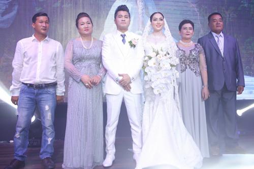 Vợ chồng Tuấn Hưng mừng đám cưới Lâm Vũ và người đẹp Việt kiều - ảnh 12