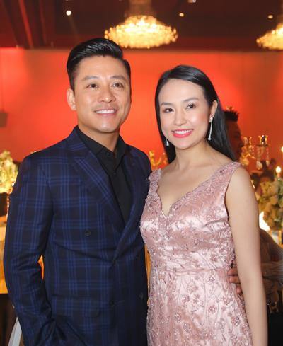 Vợ chồng Tuấn Hưng mừng đám cưới Lâm Vũ và người đẹp Việt kiều - ảnh 2