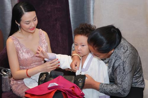 Vợ chồng Tuấn Hưng mừng đám cưới Lâm Vũ và người đẹp Việt kiều - ảnh 4