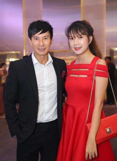 Vợ chồng Tuấn Hưng mừng đám cưới Lâm Vũ và người đẹp Việt kiều - ảnh 5