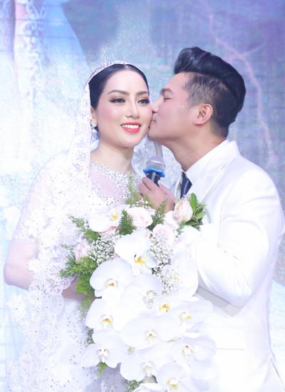 Vợ chồng Tuấn Hưng mừng đám cưới Lâm Vũ và người đẹp Việt kiều - ảnh 9
