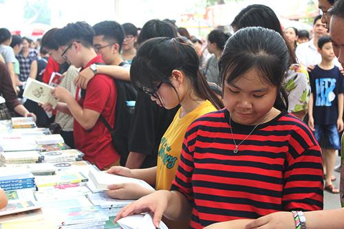 Ban tổ chức Sách cho em - Quân tốt biên cương mong muốn các em nhỏ ở tỉnh thành khác có thể giúp đỡ học sinh ở Hà Giang thông qua hoạt độngmua sách.