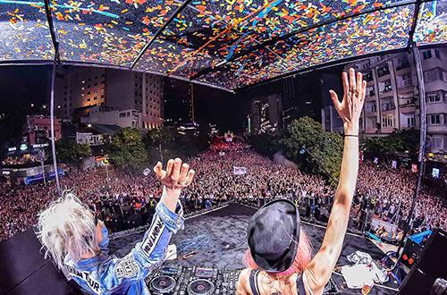 Từng được nhận vào Học viện Opera Australia nhưng họ quyết định theo đuổi sự nghiệp âm nhạc nghịch đĩa. Cặp chị em từng xuất hiện tại nhiều sự kiện âm nhạc toàn cầu như Tomorrowland, EDC, Lollapalooza và Creamfields& lọt vào top những DJ kiếm tiền khủng nhất thế giới. Cặp đôi từng hợp tác với những tên tuổi đình đám như Kesha, Kylie Minogue, The Pussycat Dolls, Afrojack, Steve Aoki và Miley Cyrus... Ca khúc Love Takes Over viết riêng cho David Guetta và Kelly Rowland từng mang lại cho họ giải Grammy danh giá.