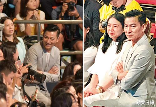 Vợ chồng Lưu Đức Hoa dự lễ tốt nghiệp của con gái.