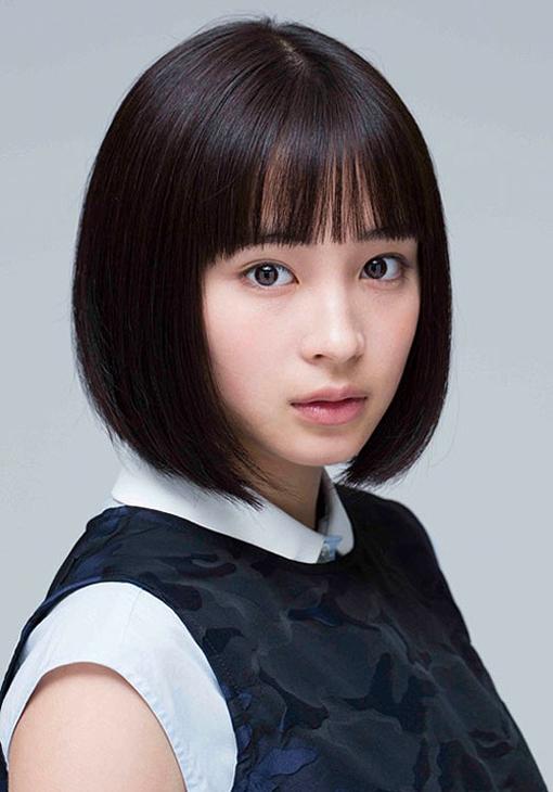 <p> Xếp thứ hai làHirose Suzu - diễn viên kiêm người mẫu sinh năm 1998. Gia nhập showbiz từ năm 2012, cô gây chú ý qua các phim<em>Our Little Sister</em>,<em>Your Lie in April</em>, <em>Let's Go, Jets!</em>... Tài năng củaHirose Suzu được công nhận qua nhiều lần đoạt giải thưởng của Viện Hàn lâm Nhật Bản như <em>Diễn viên mới xuất sắc</em> 2016, <em>Nữ diễn viên chính xuất sắc</em> 2017, <em>Nữ diễn viên phụ xuất sắc</em> 2018.</p>