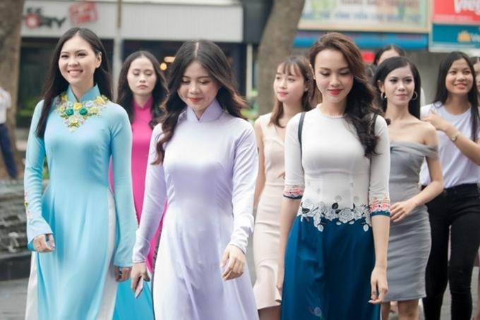 Hàng trăm thí sinh tham dự vòng sơ khảo phía Nam cuộc thi Hoa hậu Việt Nam 2018.