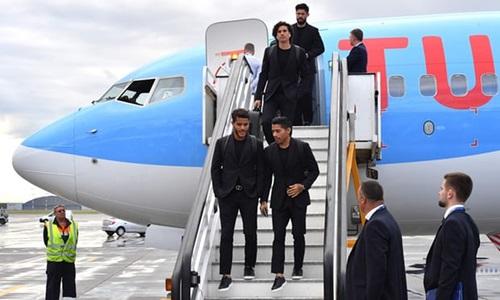 Thời trang sành điệu của các cầu thủ khi tới Nga dự World Cup - ảnh 4