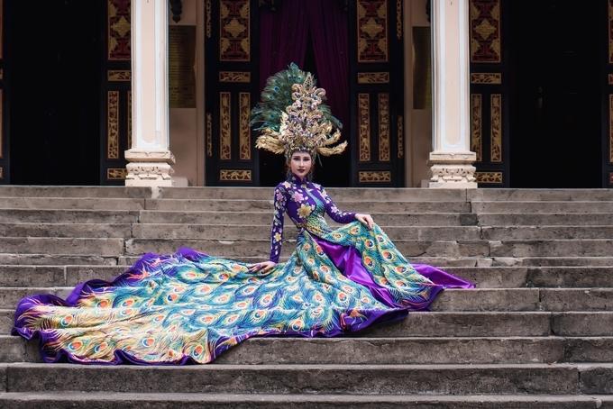 Áo dài nặng 20 kg của người đẹp Việt ở Hoa hậu châu Á Thế giới