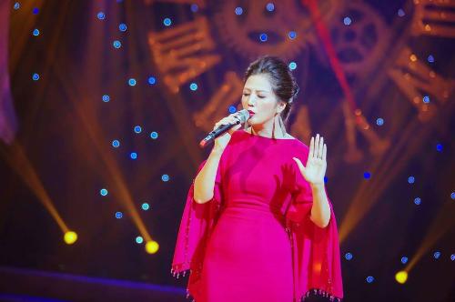 Dinh Hien Anh hat nhac tru tinh trong liveshow cua Bang Kieu