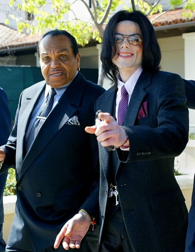 Bo Michael Jackson nhap vien vi ung thu giai doan cuoi