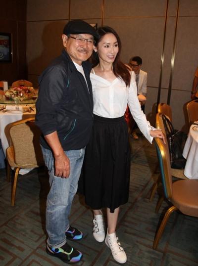Quách Khả Doanh bên diễn viên gạo cội Lưu Đan - bố chồng của Dương Mịch.