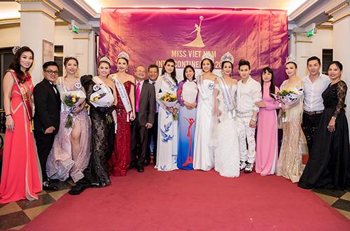 Hoa hau Phap cham thi nhan sac Viet
